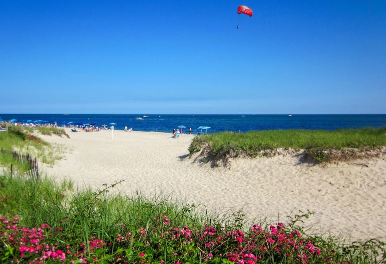 Blue Water Resort, South Yarmouth, Beach
