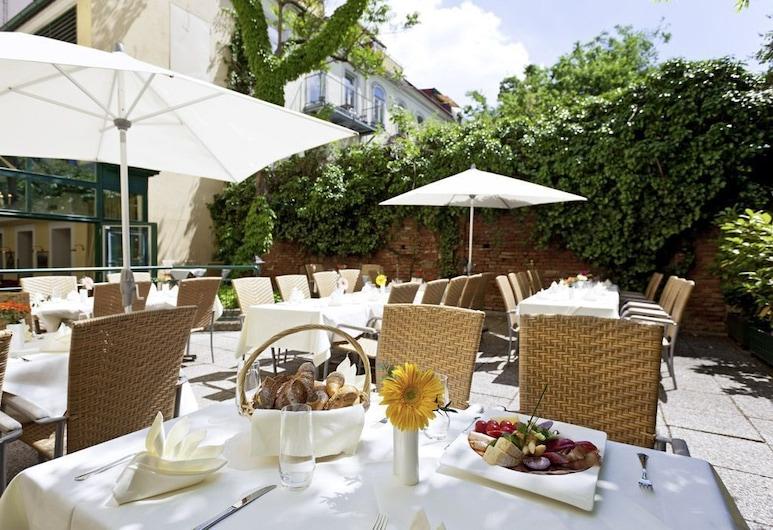 Grand Hotel Mercure Biedermeier Wien, Vienna, Tempat Makan Luar