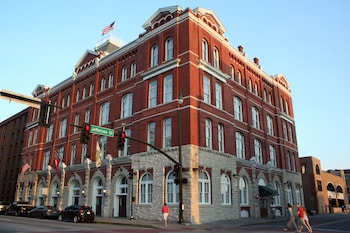 Picture of Hotel Indigo Savannah Historic District in Savannah