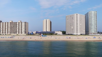 Foto van Clarion Resort Fontainebleau Hotel - Oceanfront in Ocean City