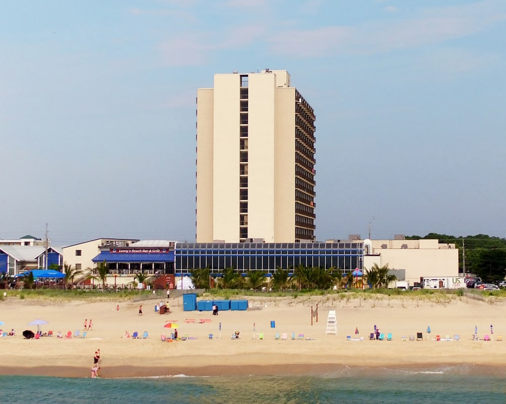 Clarion Resort Fontainebleau Hotel - Oceanfront, Ocean City