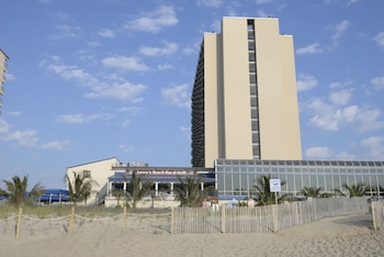 Picture of Clarion Resort Fontainebleau Hotel - Oceanfront in Ocean City