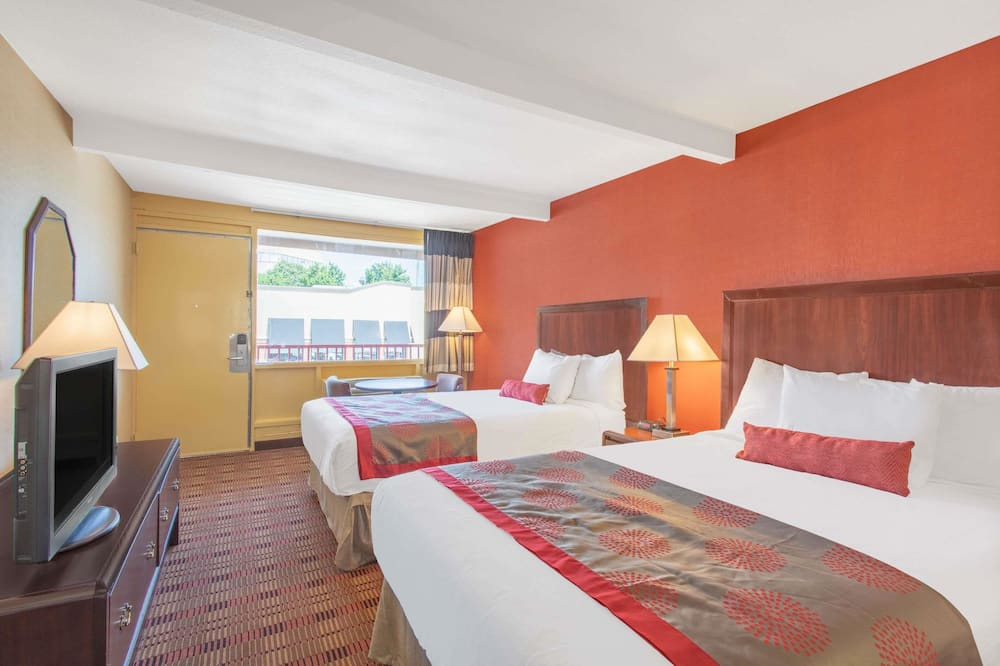 Double Room, 2 Double Beds - Guest Room