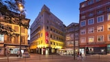 Choose This Business Hotel in Porto -  - Online Room Reservations