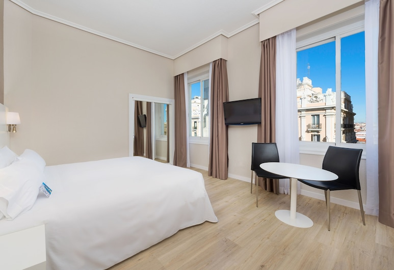 Hotel Madrid Gran Vía 25, managed by Melia, Madrid, Standard Room with Views, Kamer