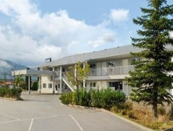 Picture of Travelodge Salmon Arm BC in Salmon Arm