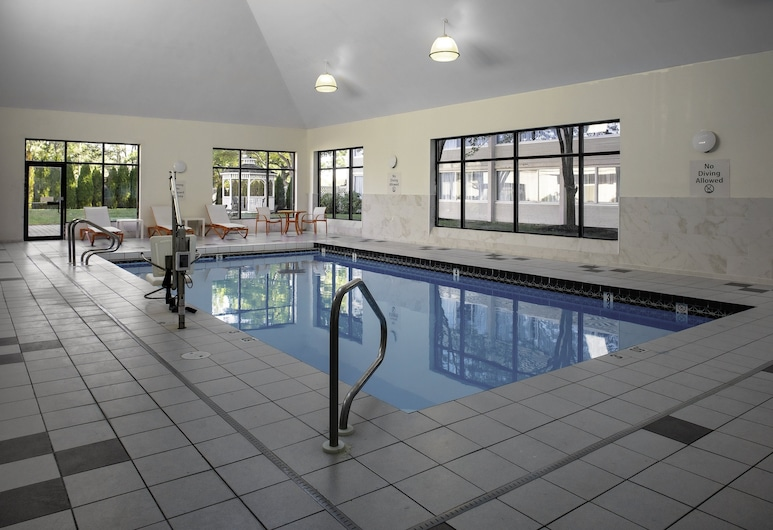 Holiday Inn Hotel & Suites Boston - Peabody, an IHG Hotel, Peabody, Pool