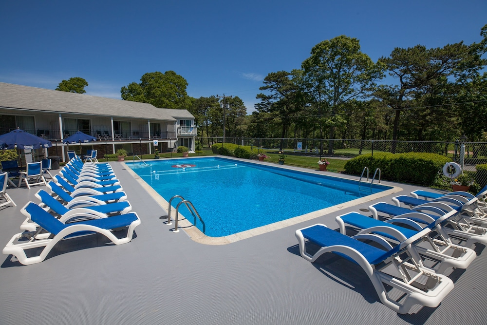 Blue Rock Resort South Yarmouth Outdoor Pool
