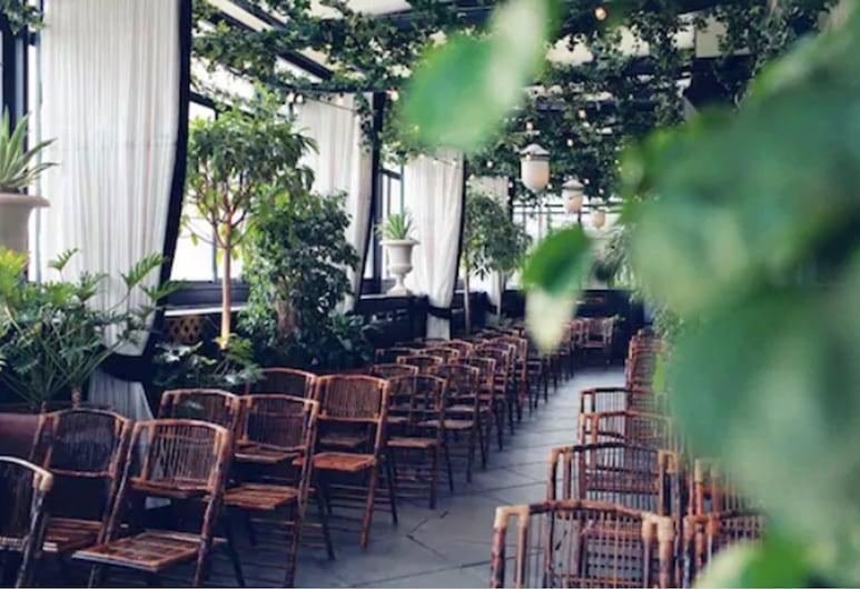 Gramercy Park Hotel, New York, Outdoor Wedding Area