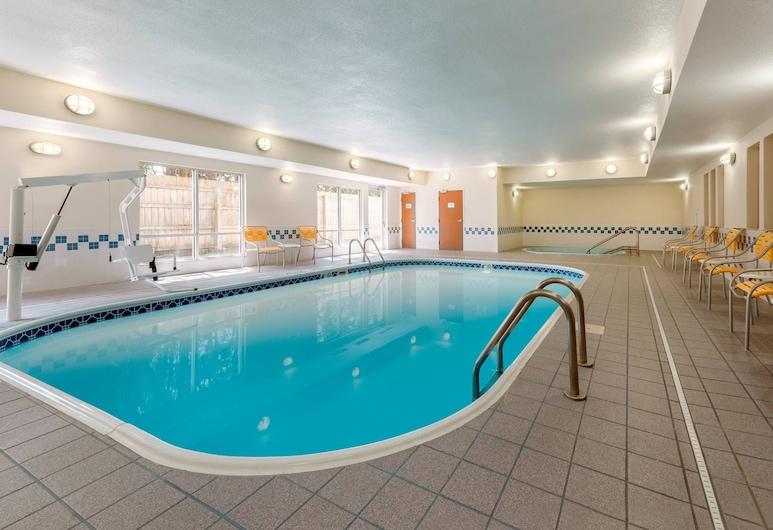 Fairfield Inn & Suites Stevens Point, Stevens Point, Pool