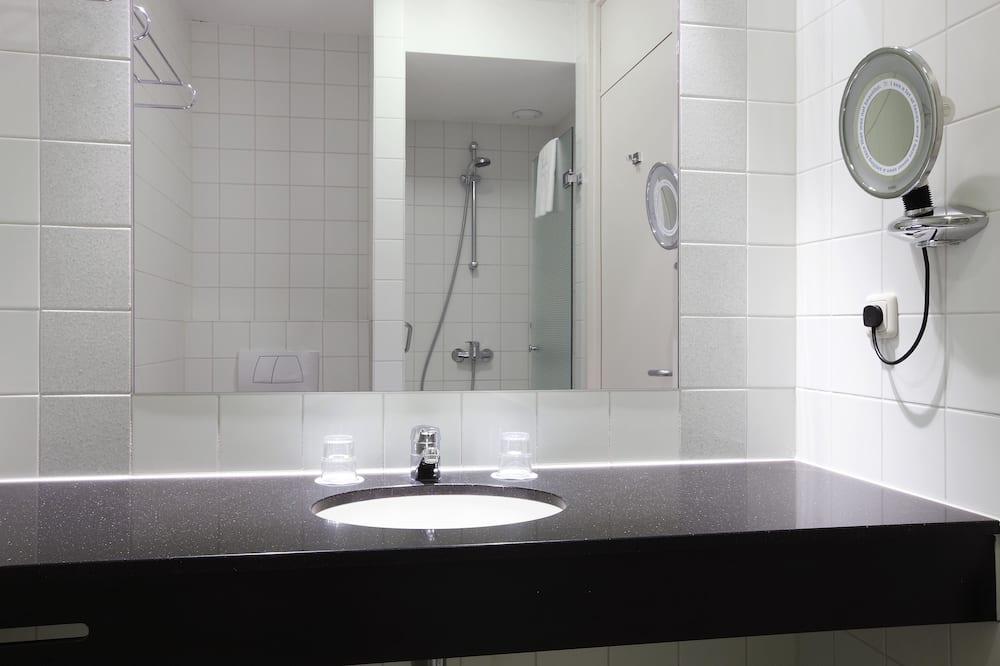 Habitación doble superior de uso individual, Varias camas (Extra Large) - Baño