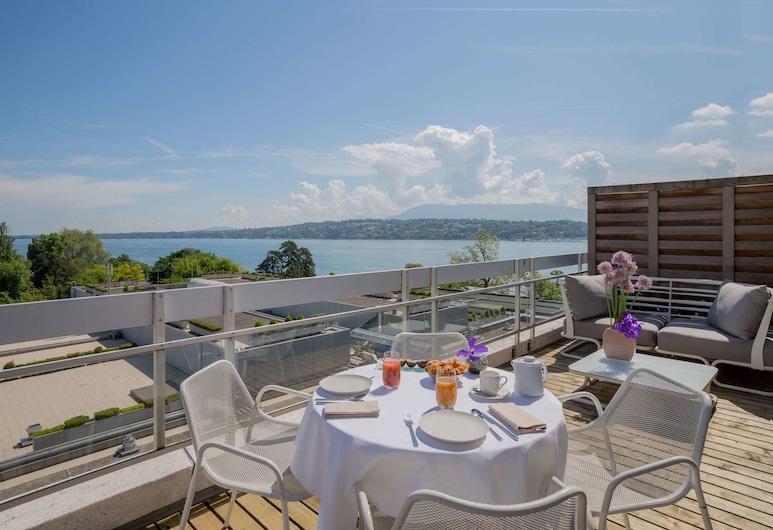 Hotel N'vY, Genf, Executive sviit, vaade järvele, Tuba