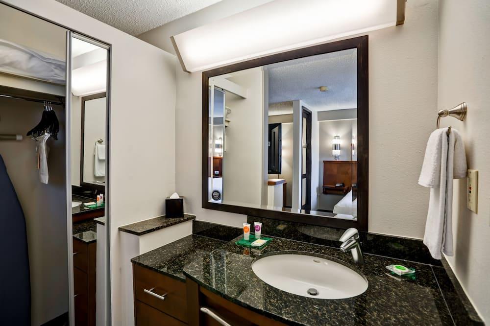 Chambre, 2 lits doubles (High Floor) - Salle de bain