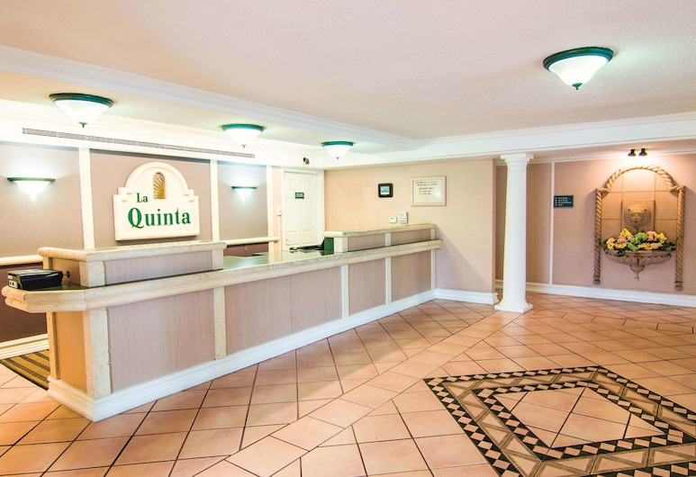 La Quinta Inn by Wyndham Indianapolis Airport Lynhurst, Indianapolis