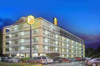 Picture of Super 8 by Wyndham Memphis/Dwtn/Graceland Area in Memphis