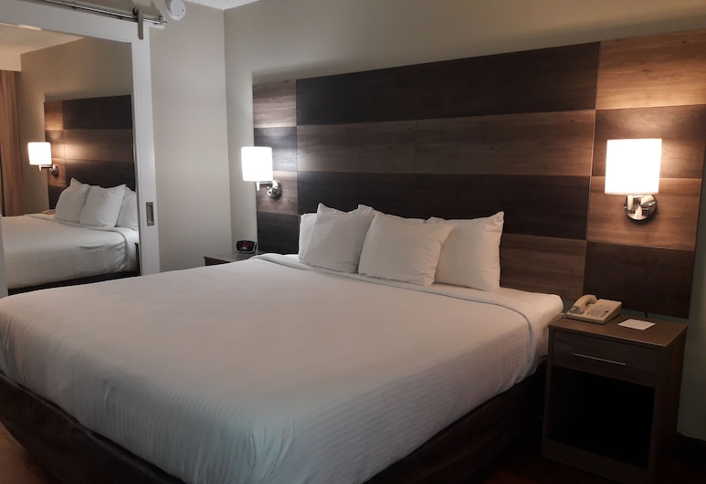 Clarion Inn, Louisville, Standard Room, 1 King Bed, Non Smoking, Guest Room