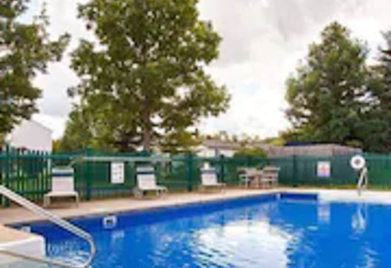 Best Western University Inn, Ithaca, Outdoor Pool