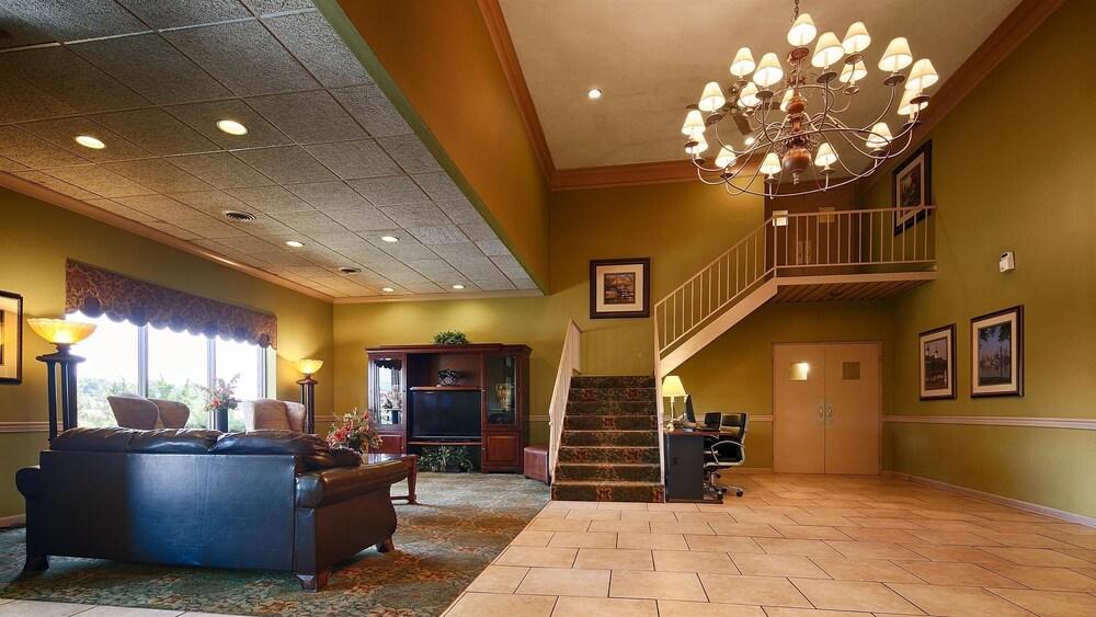 Best Western Shepherdsville Lobby