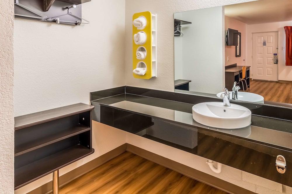 Kamar Standar, 1 Tempat Tidur King, smoking - Kamar mandi