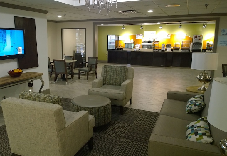 Holiday Inn Express Fayetteville- Univ of AR Area, Fayetteville, Lobby