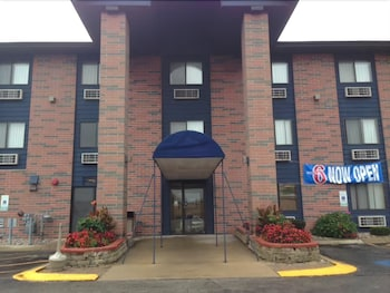 Choose This Cheap Hotel in Elk Grove Village