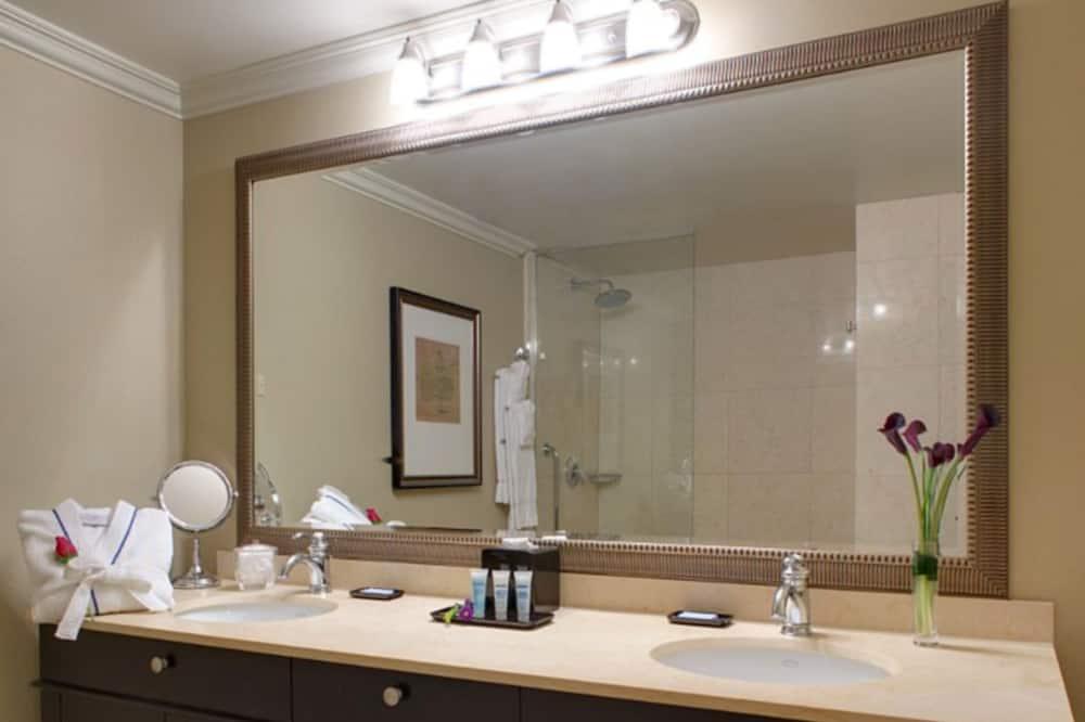 ห้องพัก, เตียงคิงไซส์ 1 เตียง, พร้อมสิ่งอำนวยความสะดวกสำหรับผู้พิการ, ปลอดบุหรี่ - ห้องน้ำ