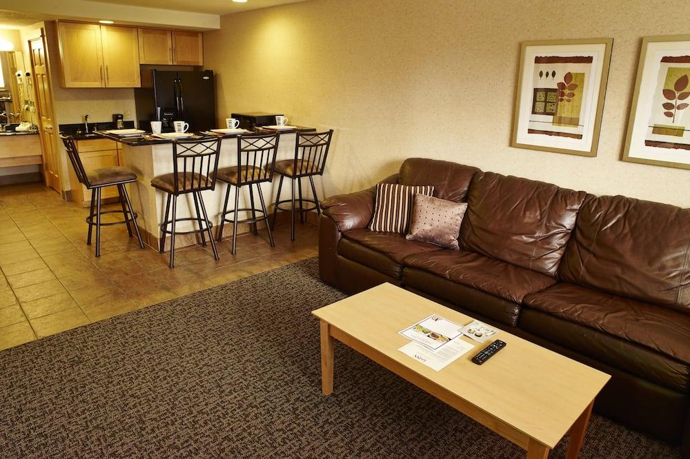 ห้องซิกเนเจอร์สวีท, เตียงคิงไซส์ 1 เตียง, ปลอดบุหรี่ (Jacuzzi) - พื้นที่นั่งเล่น