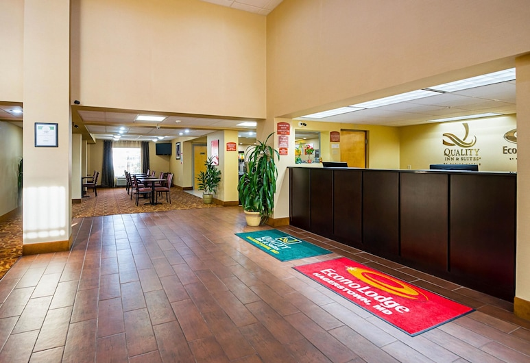 Quality Inn & Suites, Hagerstown, Lobby