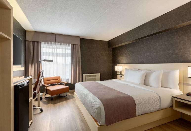 Days Inn by Wyndham Toronto West Mississauga, Mississauga, Room, 1 King Bed, Non Smoking, Guest Room