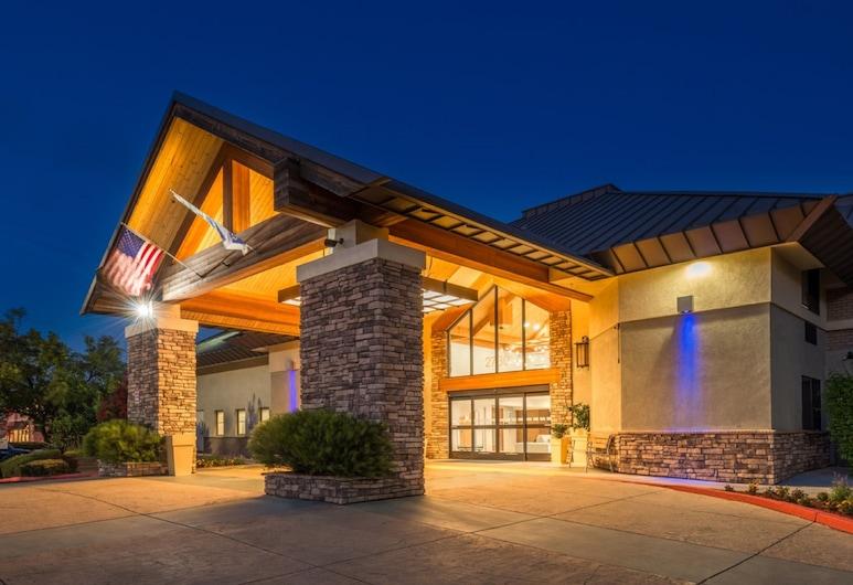 Holiday Inn Express Walnut Creek, an IHG Hotel, Walnut Creek, Otelin Önü - Akşam/Gece