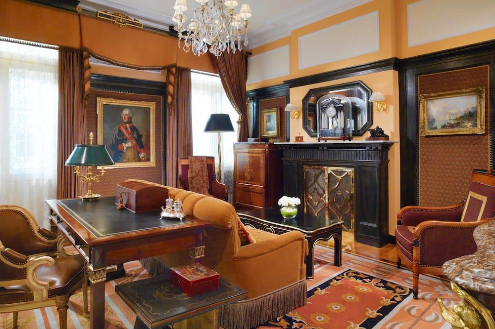 Presidential Süit, 1 Yatak Odası, Sigara İçilmez (Prince of Wales, Opera View) - Oturma Alanı
