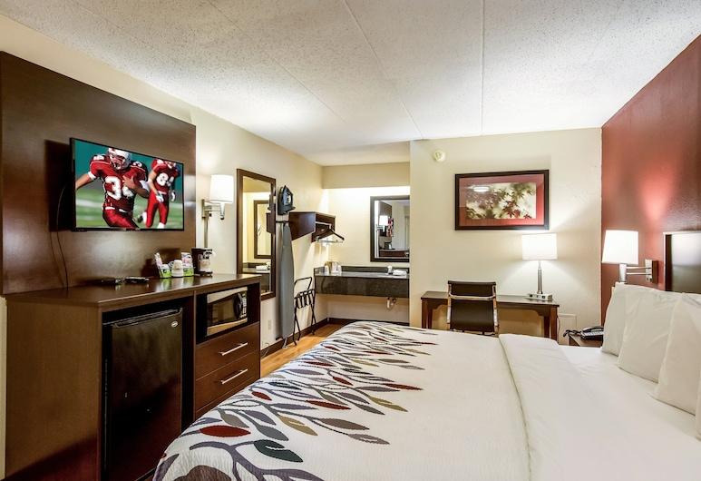 Red Roof Inn Saginaw - Frankenmuth, סגינאו, חדר סופריור, מיטת קינג, ללא עישון, חדר אורחים