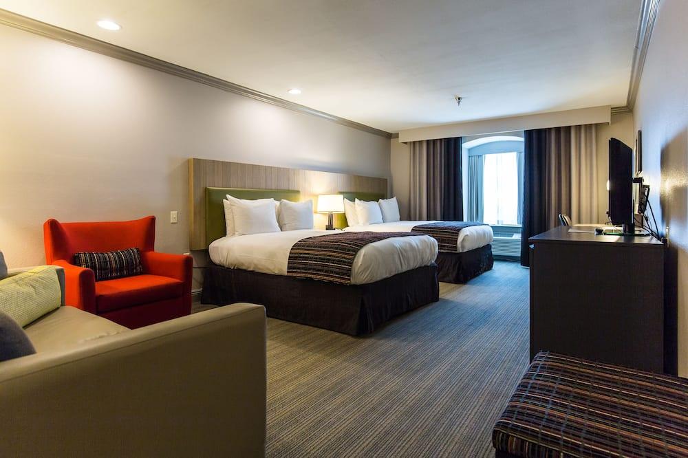 Студія-люкс, багатомісний номер, для некурців (2 Queen Beds with Sofa Bed) - Номер