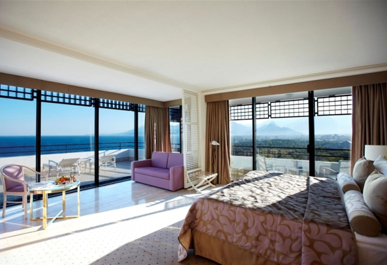 Rixos Downtown Antalya, Antalya, Deluxe Terrace Suite with Sea View, Værelse