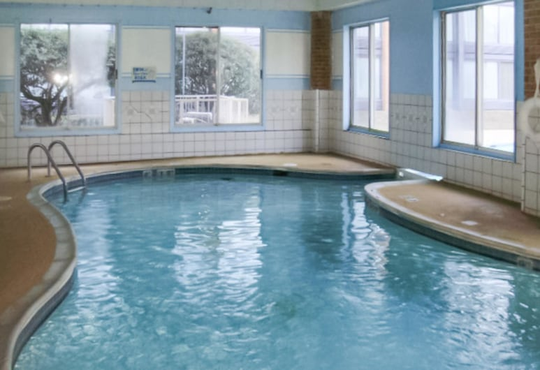 Clarion Hotel Williamsburg I-64, Williamsburg, Pool