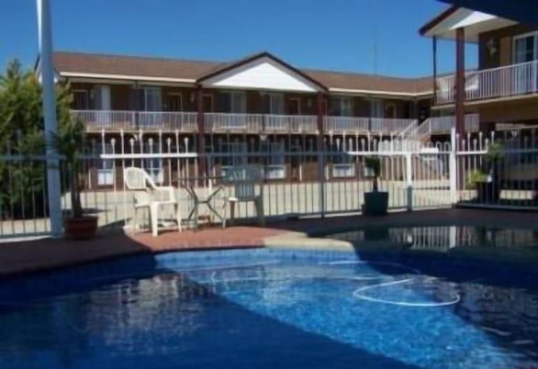 奧爾伯里經典汽車旅館, 拉韋靈敦, 室外游泳池