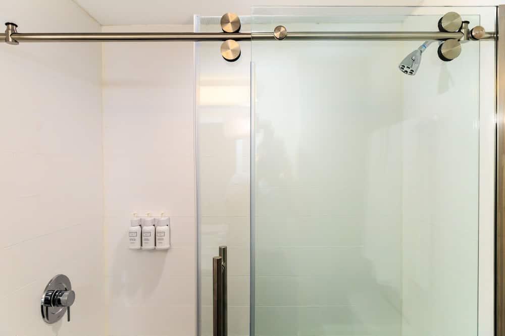 Standard szoba, 1 king (extra méretű) franciaágy, nemdohányzó - Fürdőszoba