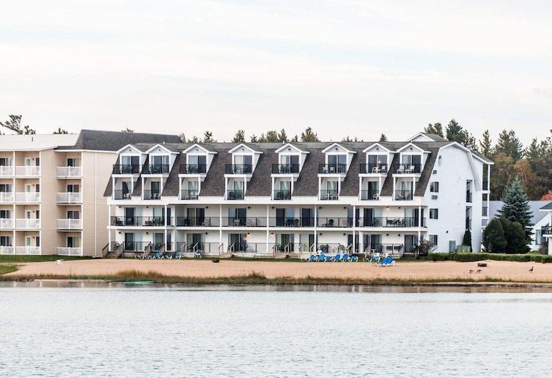 Quality Inn & Suites Beachfront, Mackinaw City
