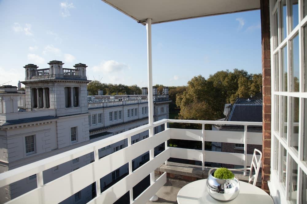 Luxury Suite, 1 Bedroom, Balcony, Park View - Street View