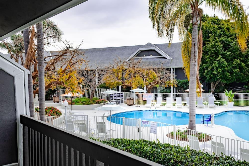 Premium Room, 2 Queen Beds, Pool View - Guest Room View