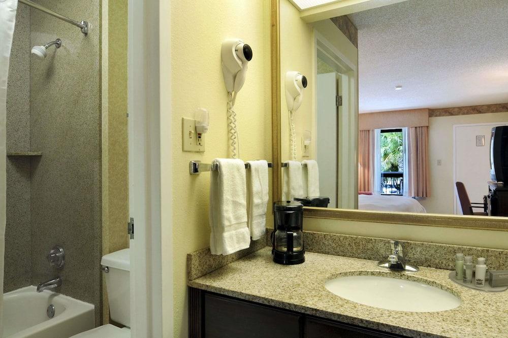 Oda, 2 Çift Kişilik Yatak, Sigara İçilebilir - Banyo