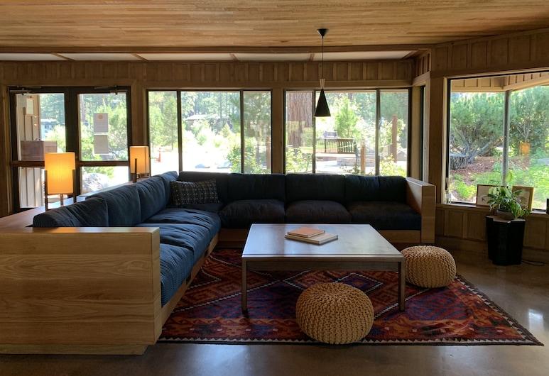 Station House Inn, South Lake Tahoe, Lobby Sitting Area