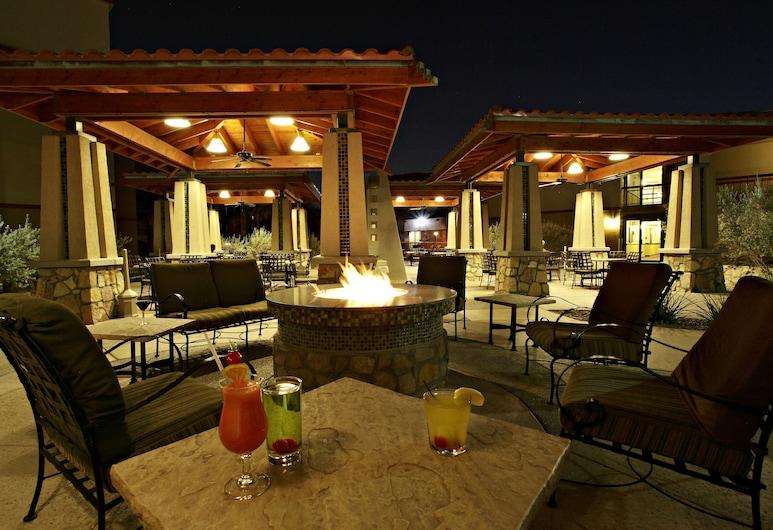 Wyndham El Paso Airport Hotel & Waterpark, El Paso, Terraço/Pátio Interior