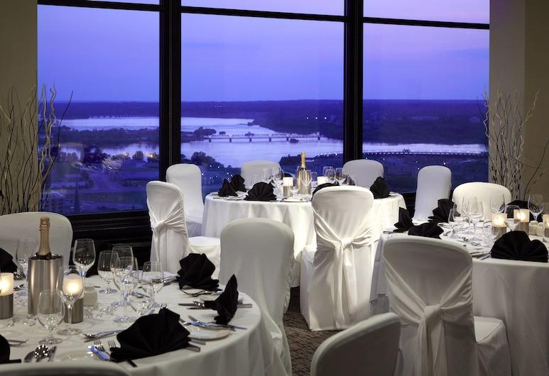 Delta Hotels by Marriott Ottawa City Centre, Ottawa, Guest Room