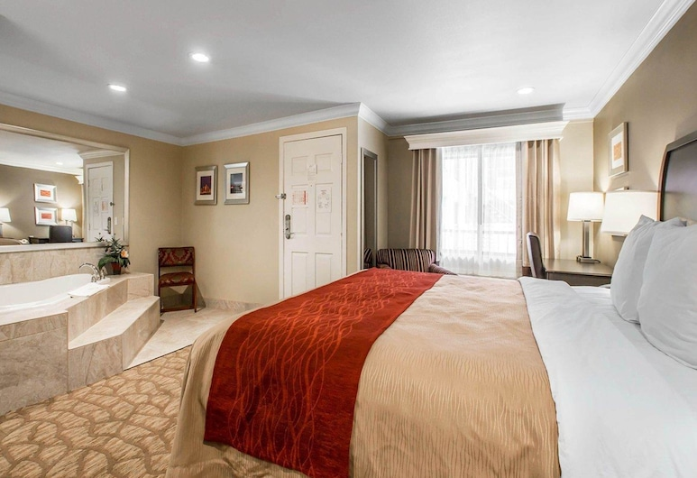 Quality Inn Downey, Downey, 1 King Bed, Nonsmoking with 2 Person Whirlpool, Guest Room