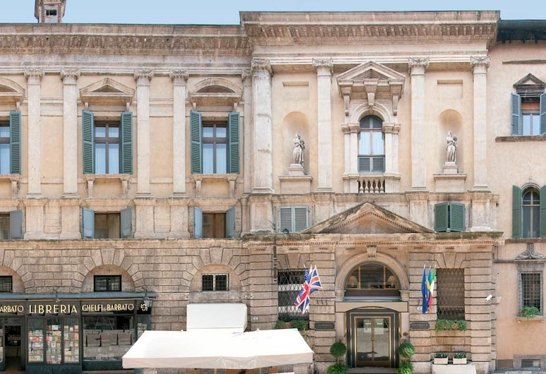 Hotel Accademia, Verona, Hotel Front