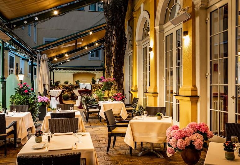 โรงแรมสเตฟานี, เวียนนา, รับประทานอาหารกลางแจ้ง