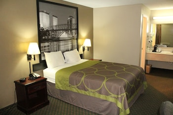 Picture of Super 8 by Wyndham Bossier City/Shreveport Area in Bossier City
