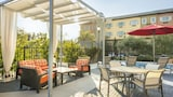 Choose This Luxury Hotel in Costa Mesa