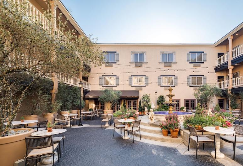 Ayres Hotel Costa Mesa/Newport Beach, Costa Mesa, Gårdsplass